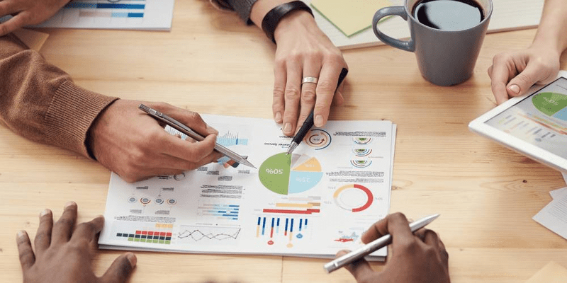 guide to choosing the right business forecasting strategy